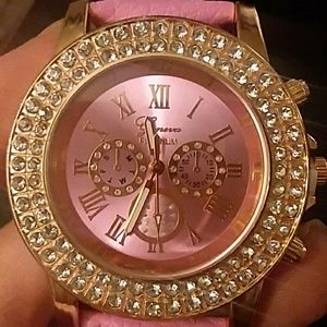 BEAUTIFUL PINK GENEVA ICED WATCH * NEW